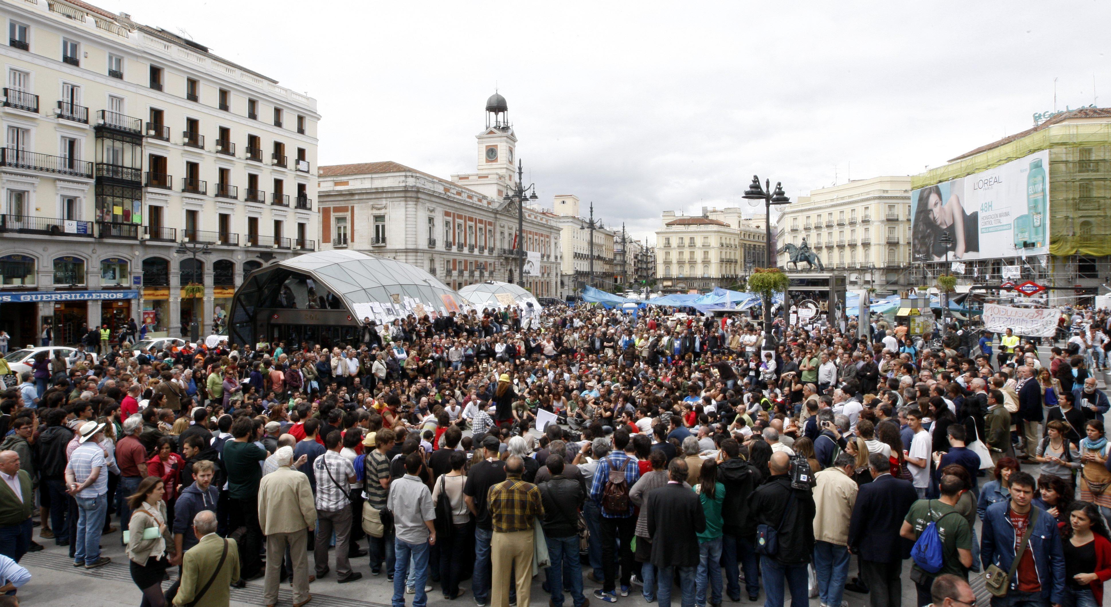 Los «indignados» toman la Puerta del  Sol