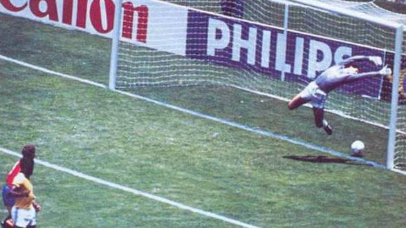 El lanzamiento de Míchel se estrelló en el larguero y entró, aunque el árbitro no dio validez