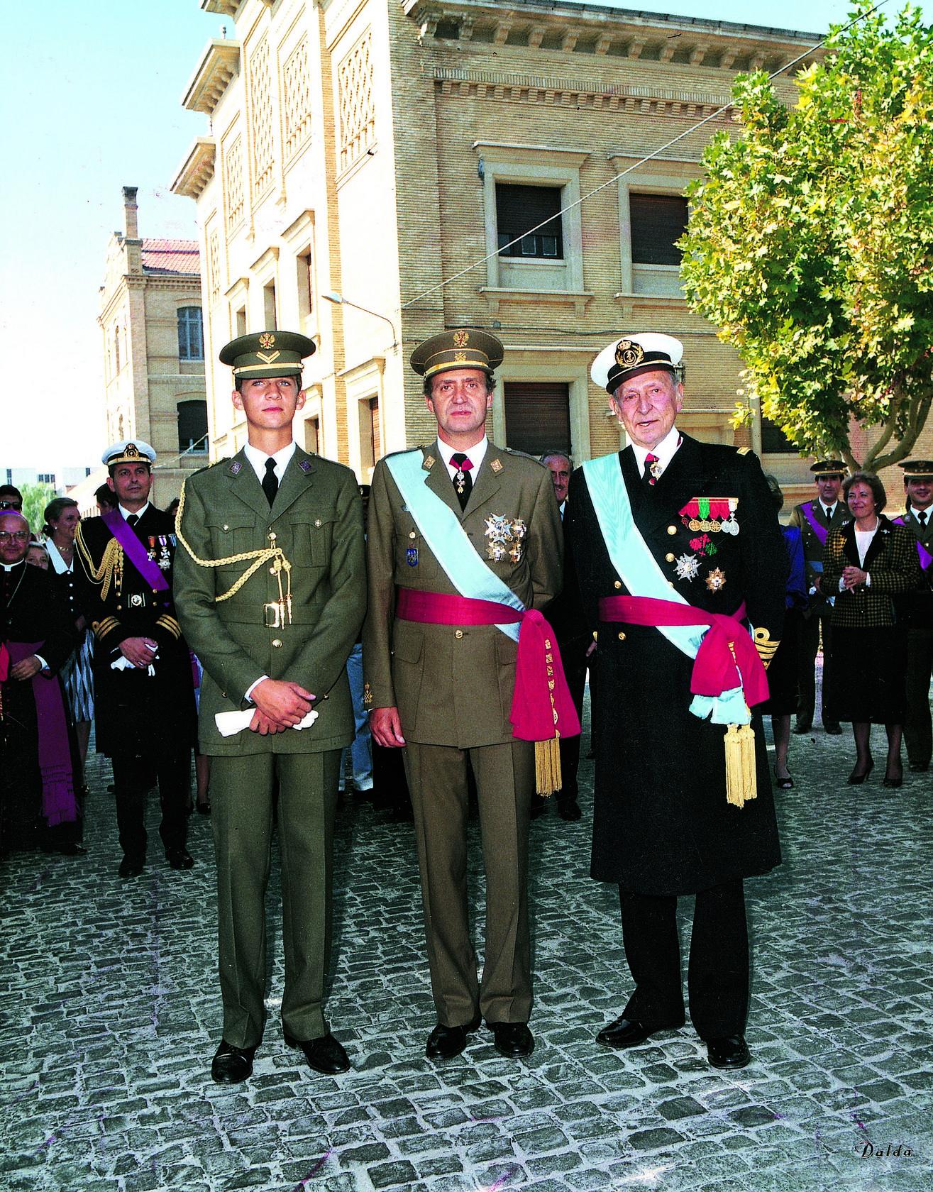 ¿Cuánto mide el Rey Felipe VI? - Real height 1364686446384