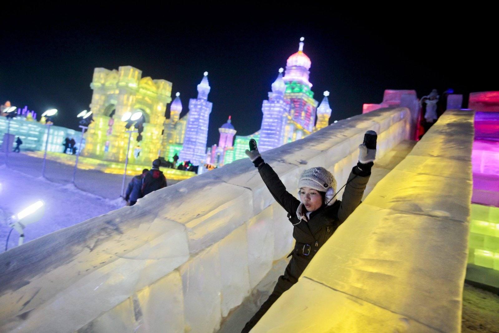 Las imágenes más impactantes del fetival de Hielo y Nieve de China 1325945307256
