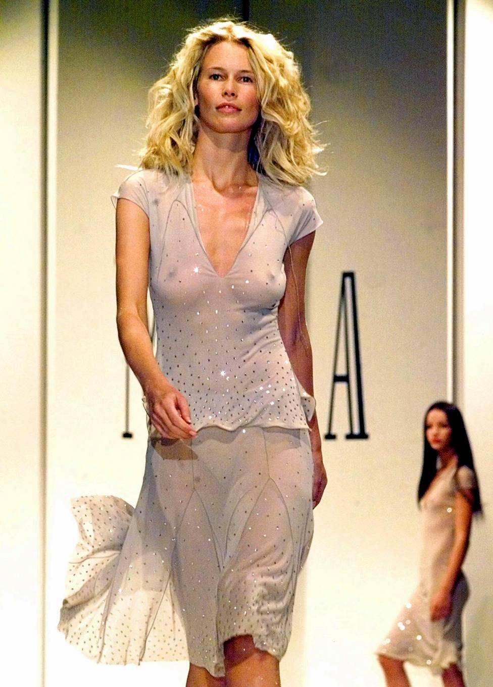 La Vida De Claudia Schiffer Moda Estilo Abces